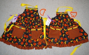 Super cute Halloween aprons for little girls - you might win these!